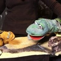 Barefoot Puppet Theatre presents Galapagos George