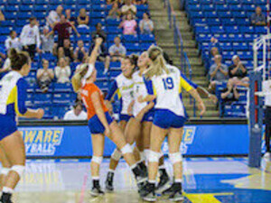 Delaware Volleyball vs. Holy Cross - 12:00 PM ET