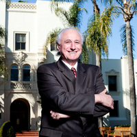 Seaver Spotlight with Robert Sclabassi '62, M.D.