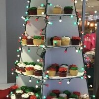 Holiday Cupcake Tree
