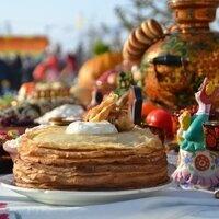"Russian winter festival ""Maslenitsa"" at MIT"