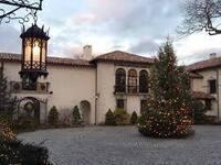 Holiday Tree Lighting at the Vanderbilt