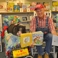 Farmer Minor and Daisy the Reading Pig - Dunbar Branch Library
