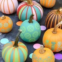 The Crawl: Pumpkin Decorating