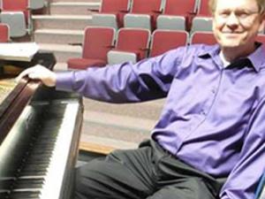 Doug Starr, Organist