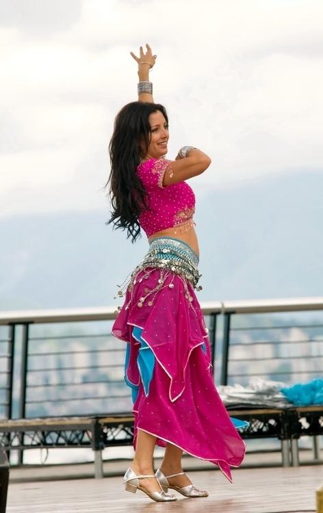 Lifelong Learning: Belly Dance Fitness for Mature Women at University Center