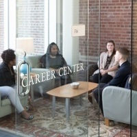 Career Center: Career Peer Hours