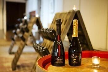 Champagne Tours at Pindar Vineyards