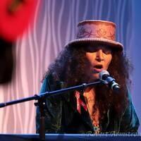 Annie Humphrey in Concert