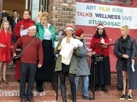 Holiday Caroling on the Steps