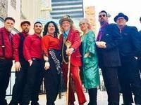 Squirrel Nut Zippers: The Holiday Caravan
