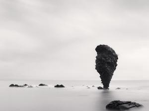 Ice & Stone: Suiseki Viewing Stones from the Huntington & Hokkaido Photographs by Michael Kenna