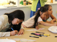 BILINGUAL FAMILY GALLERY TALK & ART WORKSHOP